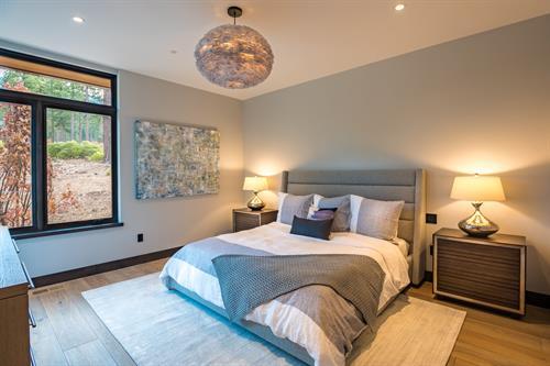 Mountain Modern Gust Bedroom