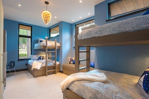 Mountain Modern Bunk Room