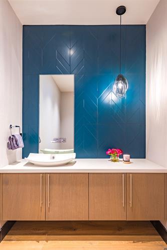 Elegant and Textured Powder Bathroom