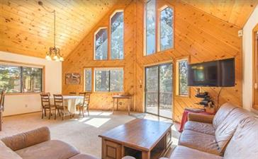 (rent from homeowner) 4BR/3 BA Truckee Vacation Rental Pet Friendly