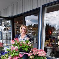 Linnea's Unique Boutique @ Hawks Prairie