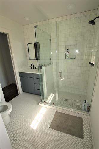 Gallery Image bathroom_afte.jpg