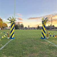 FHS Football game balloon columns