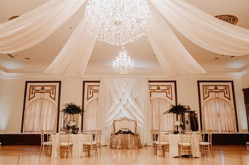 Gallery Image centro-asturiano-de-tampa-wedding-venue-vintage-styled-photo-sessio_-27.jpg