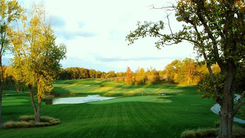 The home hole at beautiful Persimmon Woods Golf Club, member of the Chesterfield Chamber of Commerce.