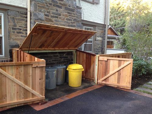 Trash Enclosure w Lid and Double Gate
