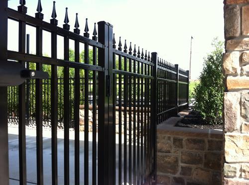 Aluminum Fence w Triad Finial