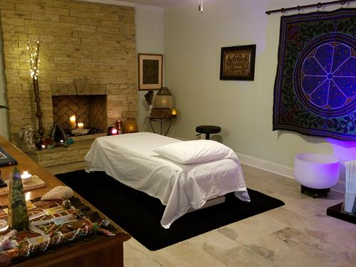 Jeff employs ancient & modern spiritual energy practices to effect profound physical, mental, emotional, and spiritual healing.