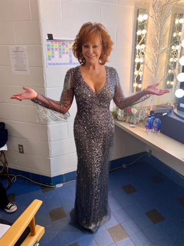 Reba McEntire wearing JK to host CMA Country Christmas