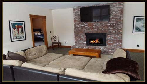 Gallery Image Caribou_Run_living_room_pic_2_2020.jpg