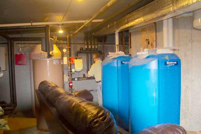 Gallery Image Community_Energy_tanks.jpg