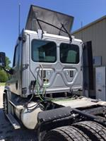 Freightliner Cascadia - After - LT cab corner & rear panel replacement