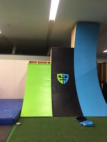 Ninja Warrior Warped Walls