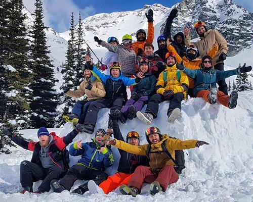 Gallery Image Freeride-Snowboard-Camp-Whistler-Canada-Group-Friends.jpg