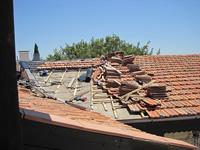 Gallery Image damaged-roof.jpg
