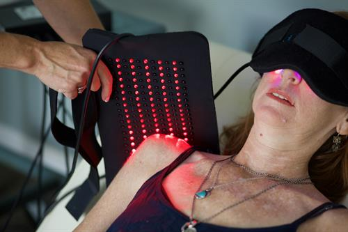 Shoulder pain and red light therapy
