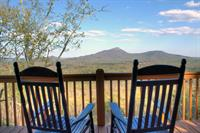 Almost Heaven 3Br/3Ba: Spectacular View of Mt. Yonah