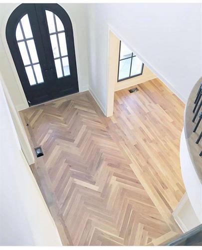Beautiful Entry - Patterned Wood