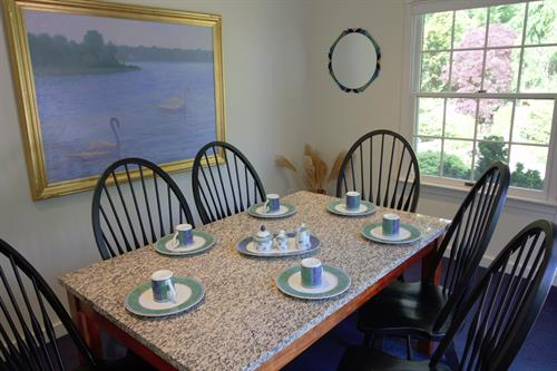 Upper Deluxe Suite Dining Room