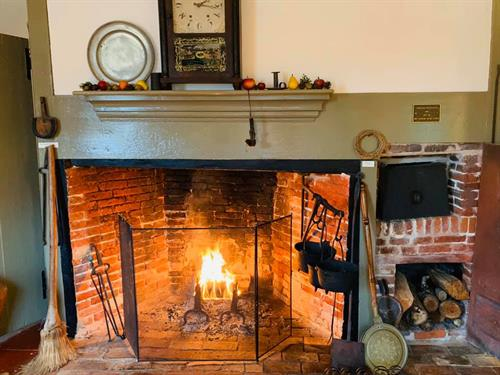 Gallery Image Old_House_Hearthwarming.jpg