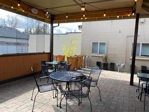 Gallery Image outdoor2.jpg