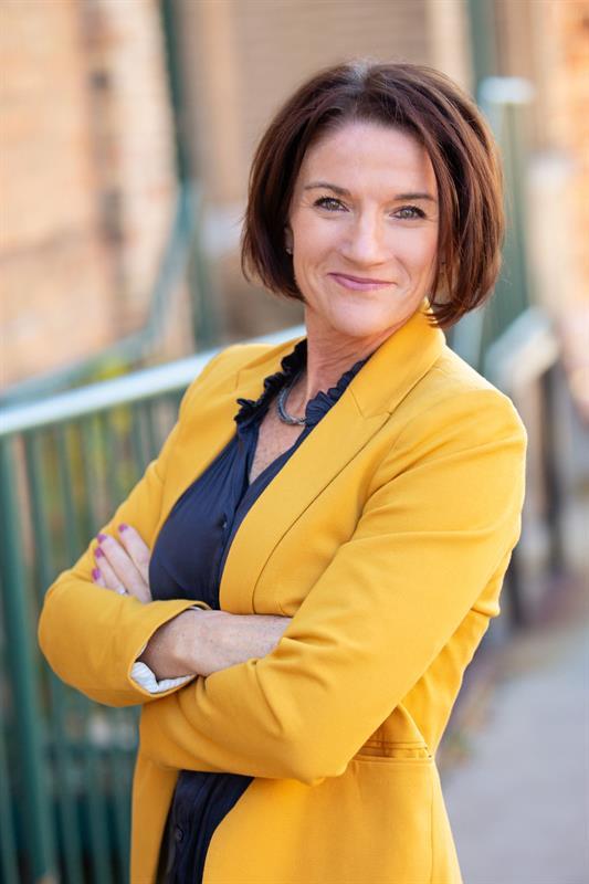 Lynn Robson Broker