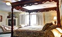 Afton House Inn Lodging King Room