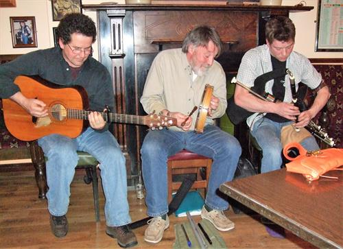 Be entertained by the finest of Irish musicians