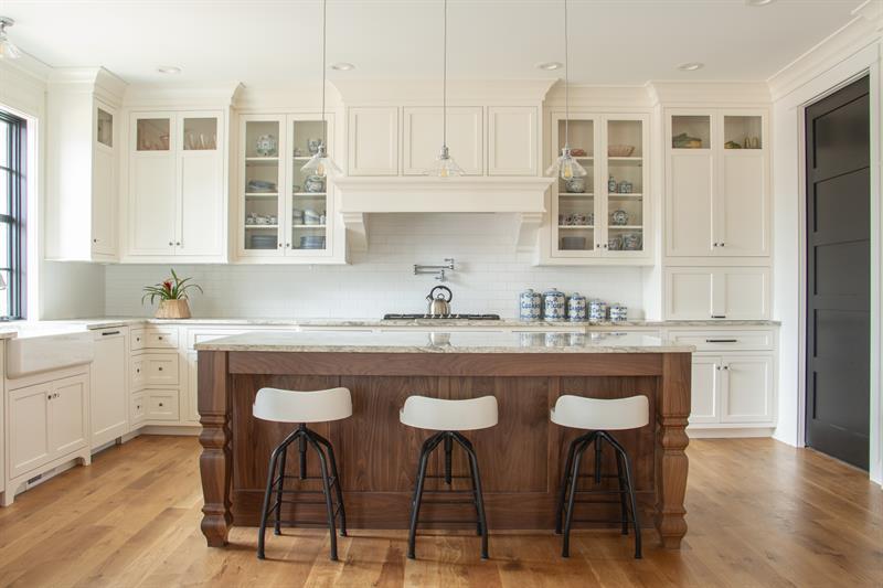 Gallery Image kitchen_straight_shot_1.jpg