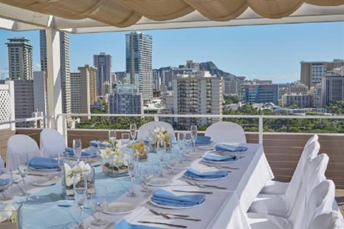 Detailed for every occasion by our professional staff. Diamond Head suite outdoor deck