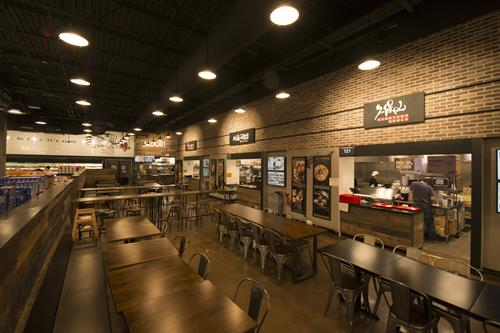 H Mart Market Eatery- International all kinds of food is here!