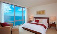 Gallery Image Master_Bedroom_Premium_3_Bedroom_Ocean_Front_Suite_Trump_Waikiki.jpg