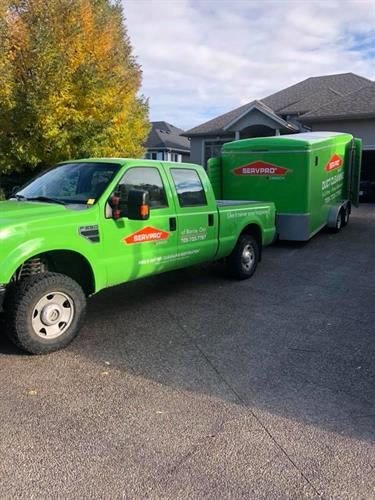 SERVPRO of Barrie's Truck and Trailer at a local home, completing water restoration inside