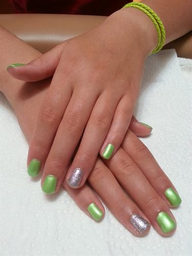 Shellac with Bling Accent Nail