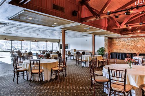 Gallery Image Bridgeview_Meeting.jpg