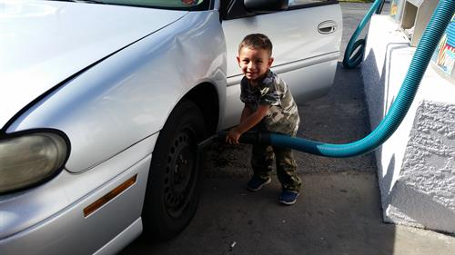 Gallery Image 15-12-12_Josh_Shows_Us_How_to_Vacuum_our_Tires.jpg