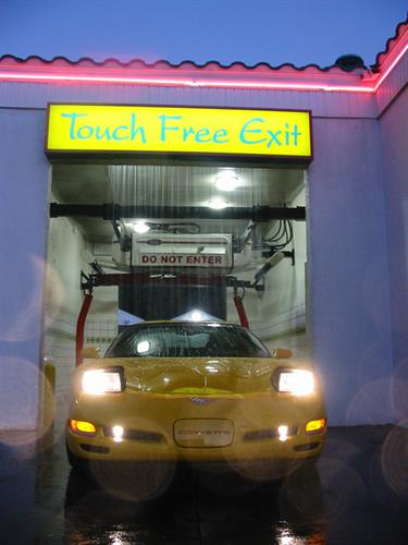 Gallery Image auto---SPOT-FREE-WATERFALL-corvette.jpg