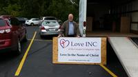 Gallery Image 20151003_103846._Dave_S._and_Love_INC_sign._2015.jpg