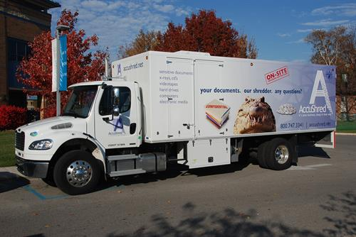 Gallery Image New_shred_truck_025.jpg
