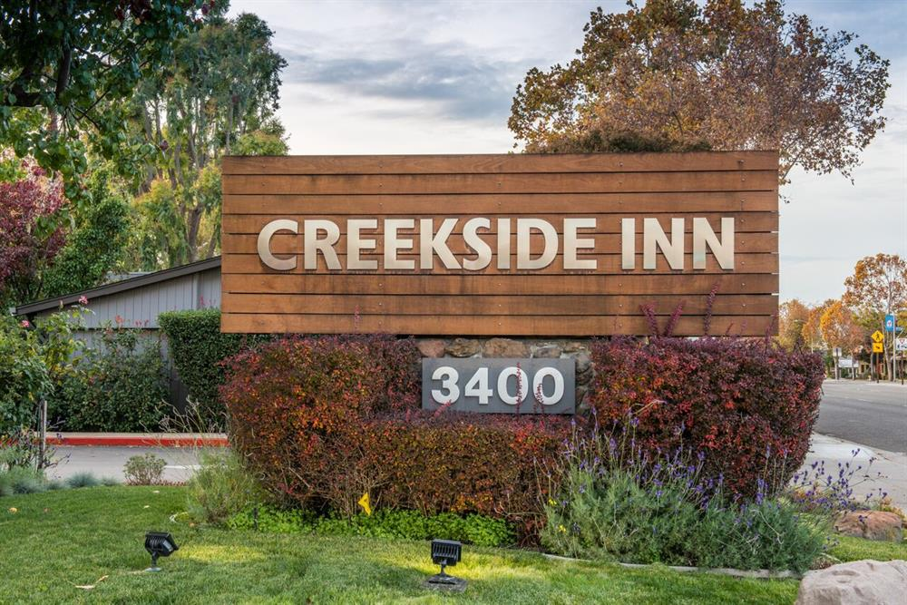 Creekside Inn Hotel Grounds