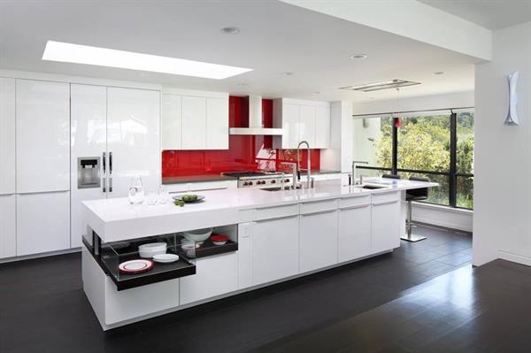 Modern luxury in Los Altos Hills