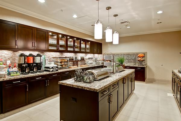 Homewood Suites by Hilton Palo Alto - Complimentary Breakfast & Evening Social