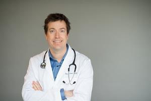 Dr. Ian Kroes MD