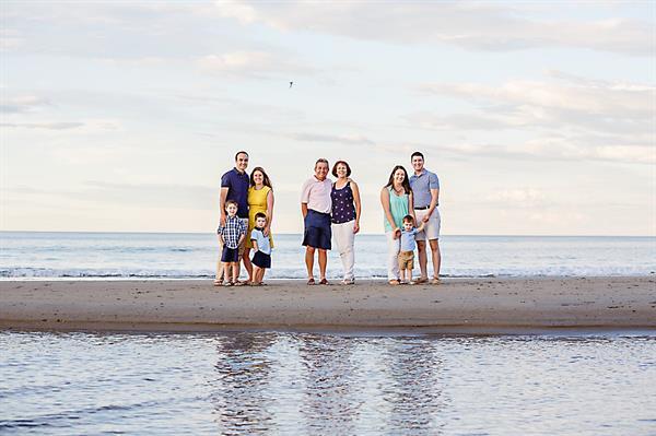 Gallery Image York_Beach_Maine_Family_Photos.jpg