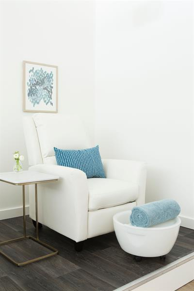 Pedicure seating