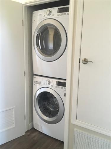 Gallery Image LG_Full_Size_Washer-Dryer.JPG