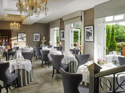 Gallery Image Orchids_Restaurant_at_Hayfield_Manor.jpg
