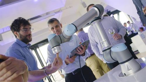 Demonstrating collaborative robot working with humans