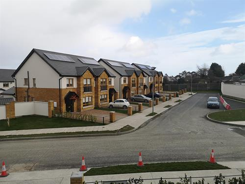 102 Units Avourwen, Meath