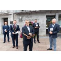 Irish International Trading Corporation presents archive materials to Cork City Library
